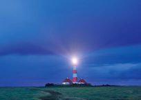 PK969_Leuchtturm_bei_Nacht_990